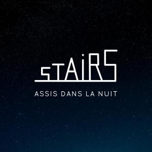 Stairs Assis dans la nuit