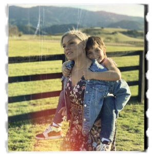 P!nk & Willow Sage Hart Cover Me In Sunshine
